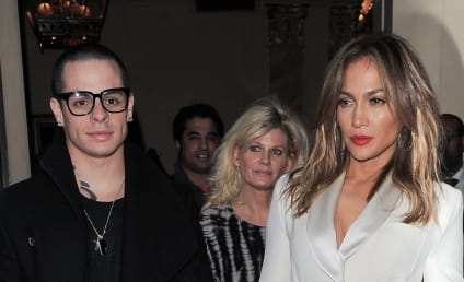 "Casper Smart Wishes Happy Birthday to His Sexy ""Bear"""