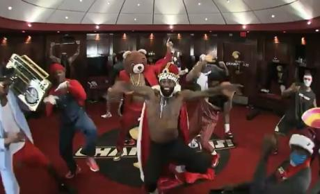 Miami Heat Harlem Shake Video: LeBron James & Teammates Get DOWN!
