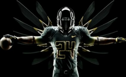 New Oregon Football Uniforms: Darth Vader Suits Up For the Rose Bowl!