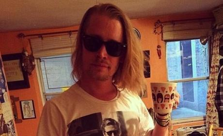Macaulay Culkin Wears Shirt of Ryan Gosling Wearing Macaulay Culkin Shirt, Makes Us Trip Out
