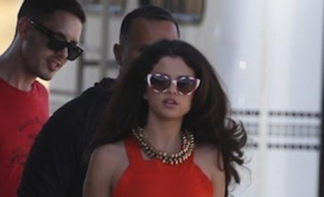 Retro Selena Gomez!