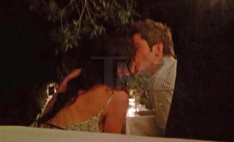 Arie Luyendyk Jr., Courtney Robertson Kiss