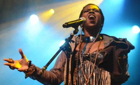 Lauryn Hill: In Prison!