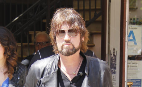 "Billy Ray Cyrus Reacts to ""Wrecking Ball,"" Gushes Over Miley's ""God Given Talent"""