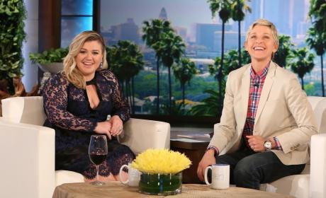 Kelly Clarkson Talks Weight on Ellen