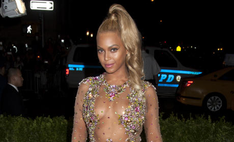 Beyonce: I Am NOT a Vegan! I Wear Deodorant!