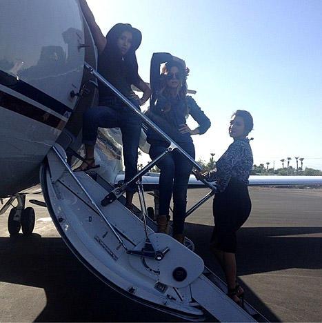 Khloe Kardashian Boards Plane