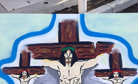Chris Brown Jesus Photo; Star Feeling Crucified in Wake of Frank Ocean Melee?