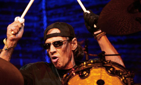 Scott Asheton Dead; Stooges Drummer Was 64