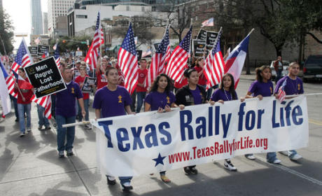 Texas Abortion Law Near Passing, Under Protest