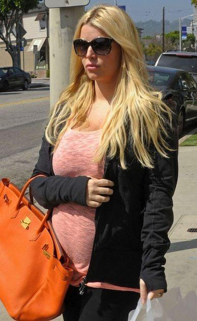 Jessica Simpson Bump Photo