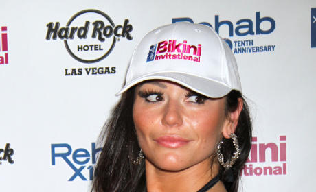 "JWoww Twitter Avatar Changed to Swastika; Jersey Shore Star Slams ""Bitch"" Hacker"