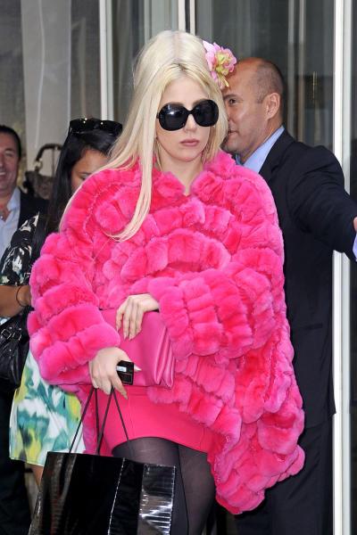 Lady Gaga, Fur Coat