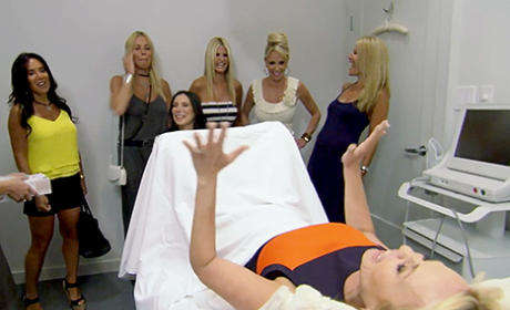 Cori Goldfarb Shows Co-Stars Her Vagina