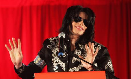 Michael Jackson Announces Plans For Summer Residence at O2 Arena in London