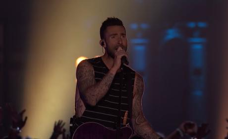 "Adam Levine Sings ""Dream On"""