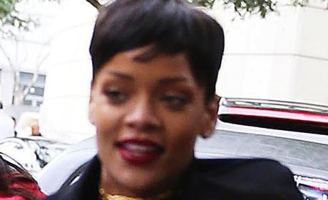 Rih Gives Good Face