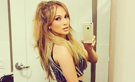 Jennifer Lopez side butt selfie