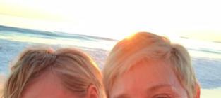 Ellen DeGeneres and Portia de Rossi Celebrate 10 Year-Anniversary, Pose for Makeup-Free Selfie
