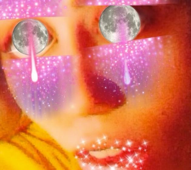 Miley Cyrus Moon Eyes Photo