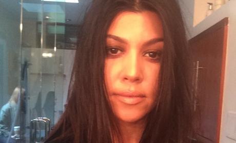 Kourtney Kardashian: Makeup-Free and Pregnant on Instagram!