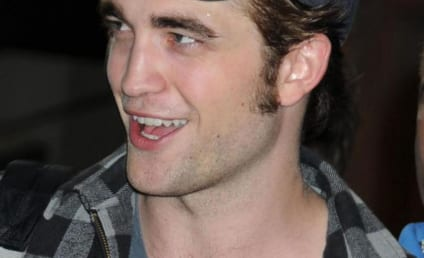 Robert Pattinson, Remember Me Set: On Lock Down!
