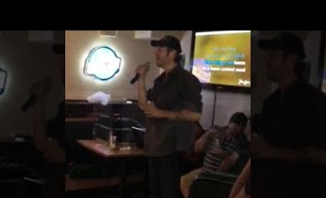 Blake Shelton Happily Sings Karaoke Prior to Divorce