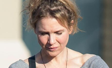 Renee Zellweger Steps Out, Looking Different