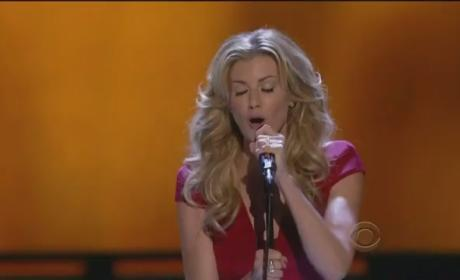"Faith Hill Performs ""Come Home"" at People's Choice Awards [Video]"