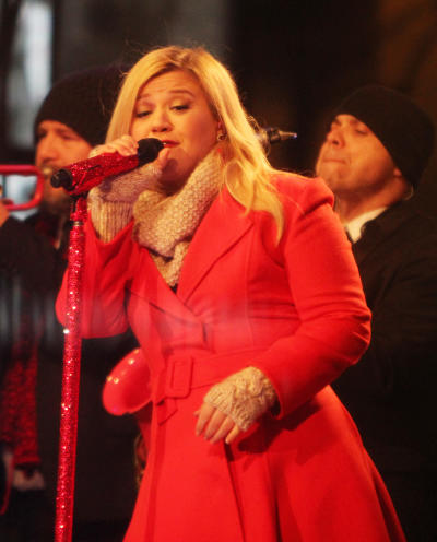 Kelly Clarkson in NYC