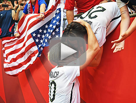 Abby wambach finally wins world cup kisses wife