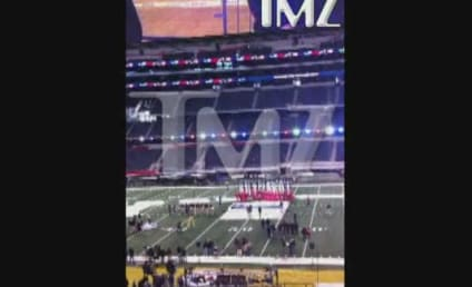 Christina Aguilera National Anthem Rehearsal: Perfect!