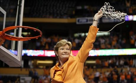 Pat Summitt Dies; Legendary Basketball Coach Was 64
