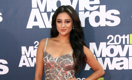 Shay Mitchell Picture
