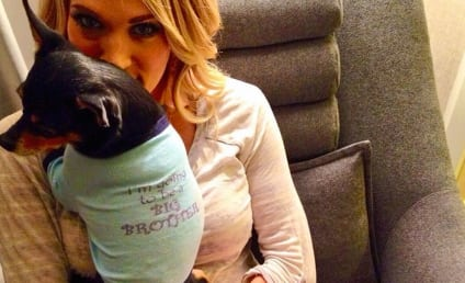 Carrie Underwood: Pregnant with First Child!!!