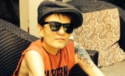 Deryck Whibley Thanks Fans, Leaves Hospital After Alcohol-Related Ailment