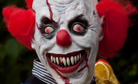 Clown Attacks Plague U.S., Spark Vengeful Twitter Hashtag