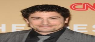 Jason Biggs Blasts Bachelor Contestant as Fat, Ugly