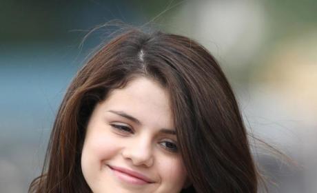 Selena Gomez Blames Junk Food for Hospitalization