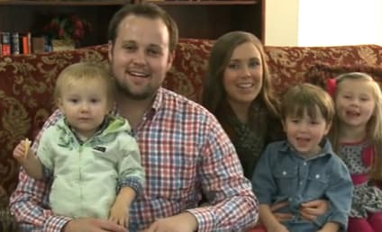 Josh Duggar Celebrates Mother's Day With Family, Looks Miserable