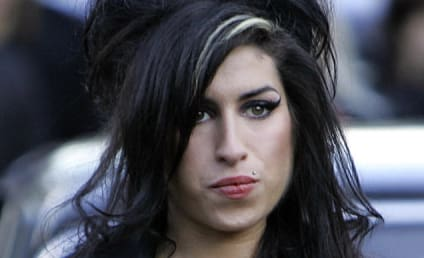Amy Winehouse Sues Mother of Blake Fielder-Civil