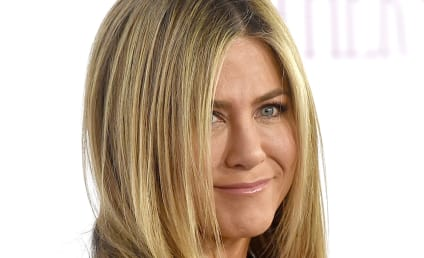 Jennifer Aniston: Not Pregnant, Just PISSED!