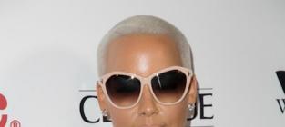 Amber Rose Squashes Beef With Kylie Jenner & Khloe Kardashian, Still Hates Tyga