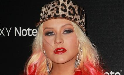 Christina Aguilera Slams Simon Cowell, American Idol, Bloggers