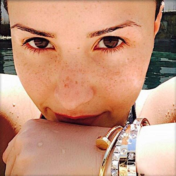 Demi Lovato, Makeup-Free