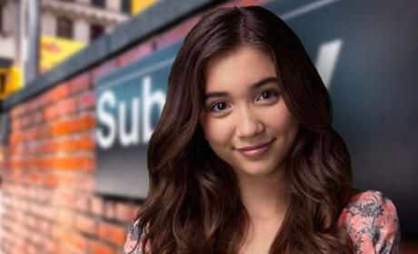 "Rowan Blanchard, Girl Meets World Star, Comes Out as ""Queer"""