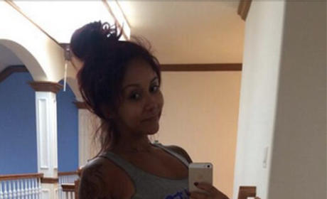 Snooki: No Makeup, All Baby Bump
