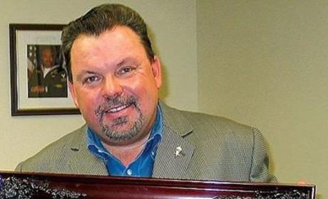 Thomas Kinkade, Popular Artist, Passes Away at 54