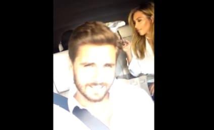 Kardashians Kroon in the Kar, Kontinue to Endanger Motorists