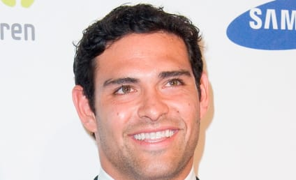 Tim Tebow vs. Mark Sanchez: Which New York Jets QB is the Bigger Hunk?